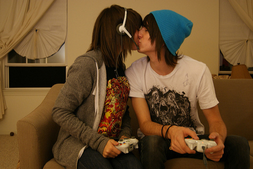 couple, kiss, play, xbox