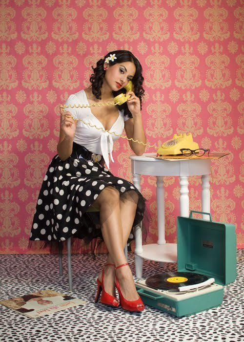 flower, glasses, phone, polka dot, red, separate with comma, shoes, victrola, vinil, vintage, yellow
