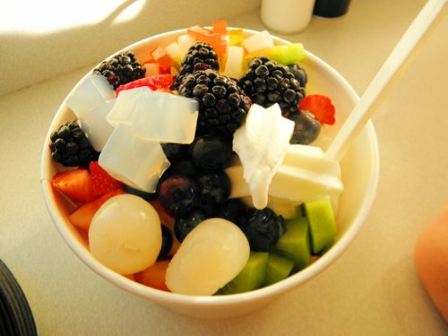 fro yo, froyo, frozen yogurt, fruit, pinkberry, yogurt