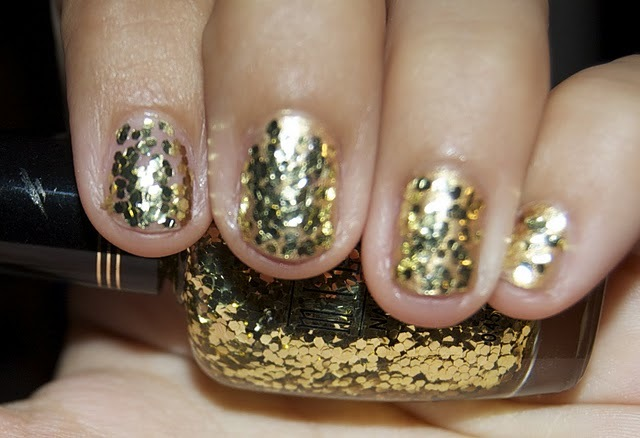 glitter, gold, gold nail polish, gold nails, milani