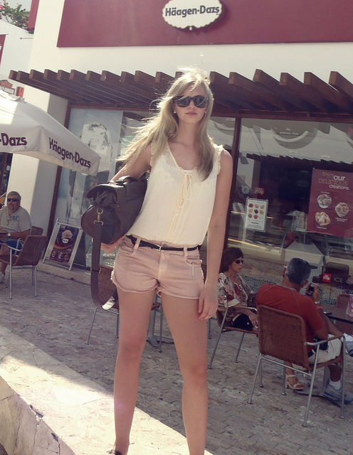 bag, belt, blonde, chemise, fashion, girl, pink, shorts, skinny, style, sunglasses, vintage, white