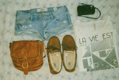 bag, bohemia, camera, fashion, hippie, shoes, short, t-shirt
