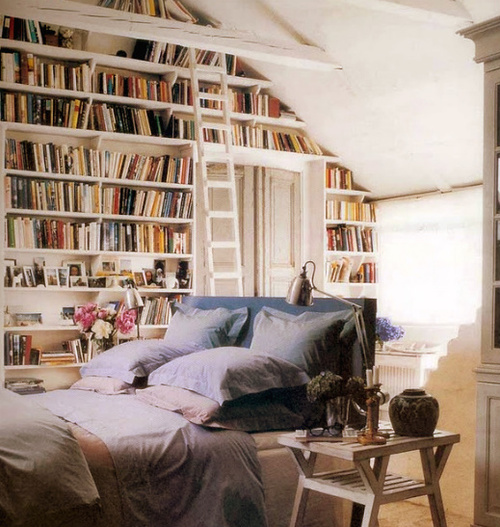 bed, bedoom, bedroom, books, bookshelves