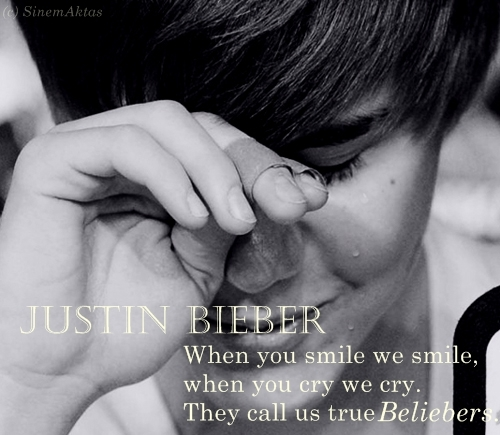 belieber, bieber, cry, dont cry justin :(, hot, justin, justin bieber, justin bieber piange:(, smile, tear, text