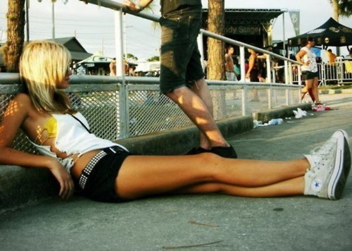 blonde, converse, girl, shorts, summer, sun, sunny, tan