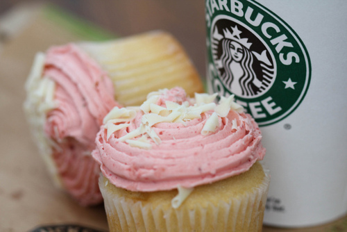coffe, coffee, cupcake, cupcakes, cute, delicious, food, pink, pretty, starbucks, vintage
