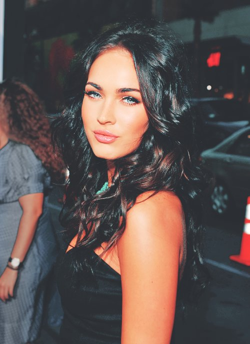 cool, cute, fashion, fox, girl, hot, megan, megan fox, sand, sea, separate with comma, sexy, summer, vacations