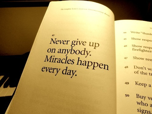 Never Give Up On Love Quotes : Pics Photos - Best Giving Up On Love Quotes 4 Never Giving In Quotes