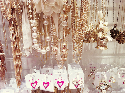 accessories, cute, diva, faded, fashion, girly, gold, jewellery, necklace, pastel, pearls, pink, pretty, rings