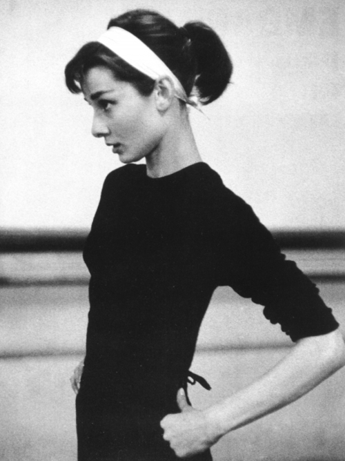 actress, amazing, audrey, audrey hepburn, b&w, ballerina, beautiful, dainty, dancer, delicate, hepburn, inspiration, ponytail, thin