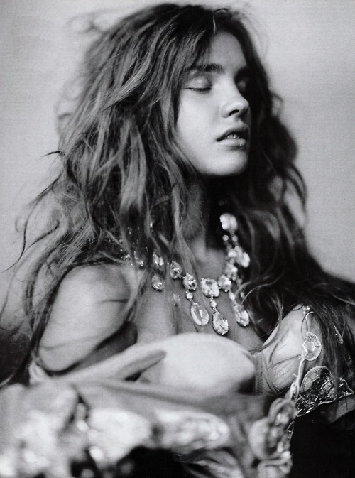 b&w, blonde, brunette, girl, hair, natalia vodianova
