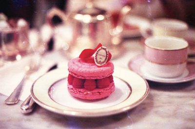 beauty, berries, cups, cute, delicious, food, france, laduree, light, paris, photography, pink, plate, red, table, vintage, white