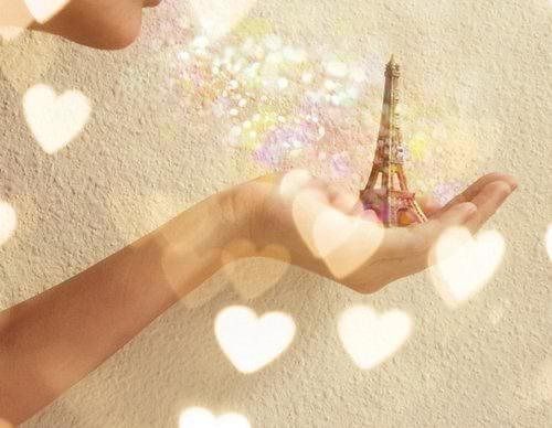 blow, cute, eiffel tour, hand, love city
