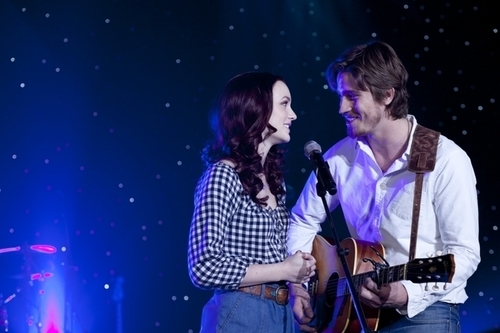 country strong, couple, cute, garrett hedlund, leighton meester