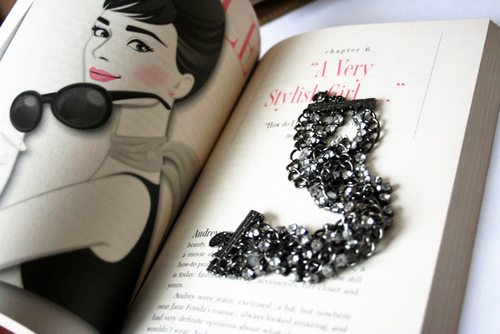 audrey hepburn, audry, book, cute, girl
