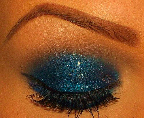 blue, eyeshadow, fashion, lipstick, separate with comma