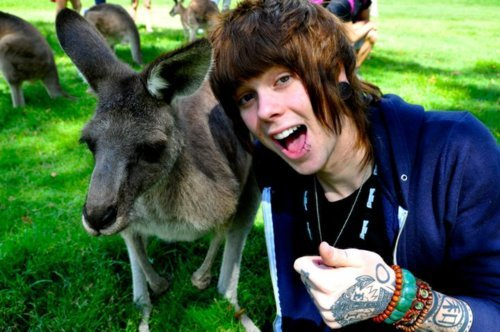 chris drew, christofer drew, nevershoutnever, nsn