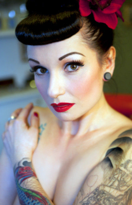 flower, hairstyle, makeup, pin up, rockabilly girl - image #226655 on ...