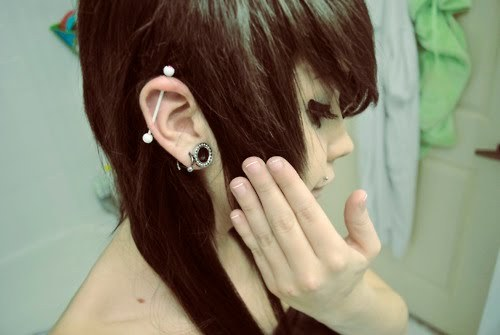Pictures of Emo Piercings http://favim.com/image/229523/