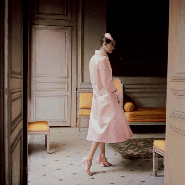 chic, classy, coat, cor de rosa, couture, dior, elegance, galliano, girl, girly, glam, glamour, living room, pink, retro, rose, style, styling, trench coat, vintage