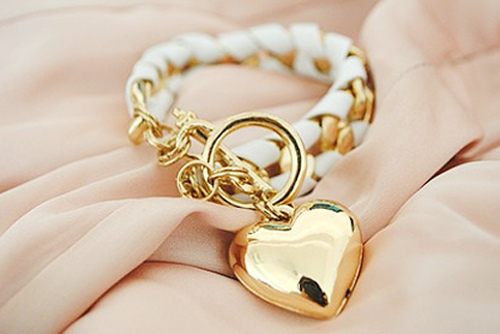 Volim zlatno - Page 3 Fashion-gold-heart-separate-with-comma-Favim.com-229526
