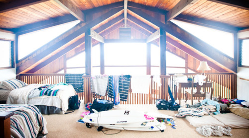 house, room, surf, surfboard