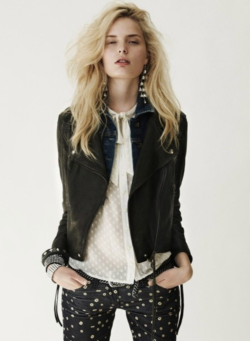 Skyler the almost mute Blonde-earrings-fashion-girl-leather-jacket-Favim.com-153746