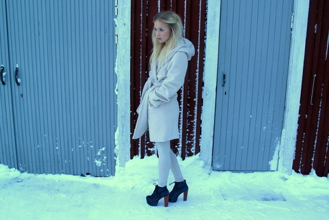 clothes, cold, cold queen, fashion, heels