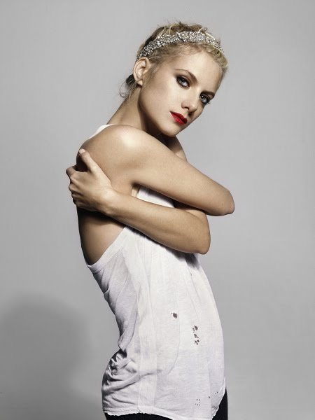 fashion, girl, inglourious basterds, melanie laurent
