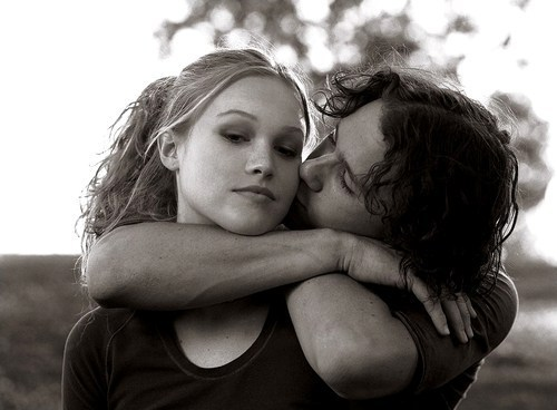 10 things i hate about you, black and white, heath ledger, julia stiles