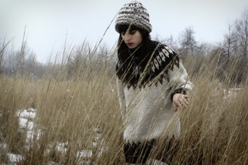 beanie, brunette, cream-colored, cream-coloured, fashion, field, girl, jersey, jumper, knitted jersey, knitted sweater, knitwear, model, nature, photography, snow, style, sweater, trees, vintage, wheat, winter