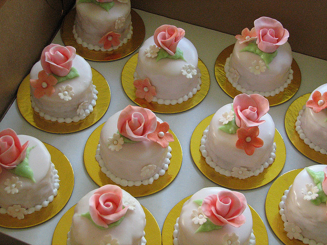 cakes, floral, flowers, mini, mini cakes