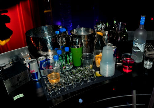 alcohol, kisssmytan, party, red bull, shots