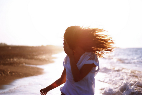 beautiful, cute, faceless, fashion, fly, girl, hair, inspiration, light, nature, ocean, photography, pretty, sea, sky, sunlight, yellow
