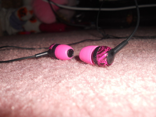 black, earphones, headphones, ipod headphones, pink