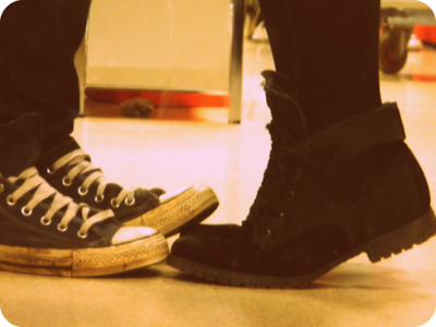 all stars, boots, boy and girl, converse, couple