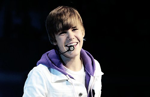 Justin Bieber Cute Smile Pictures Justin Bieber Cute Smile