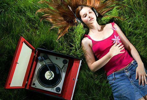 girl, music, nature, old school, outdoors, record player