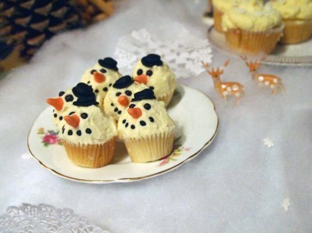 cupcakes, cute, deer, fawn, muffins, retro, snow, snowman, sweet, vintage, winter, yummy