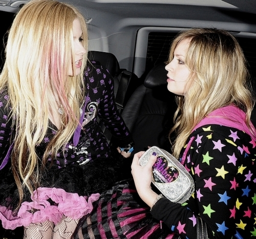 abbey dawn, avril lavigne, blonde, car, girls, girls dress, london, pink hair, stars