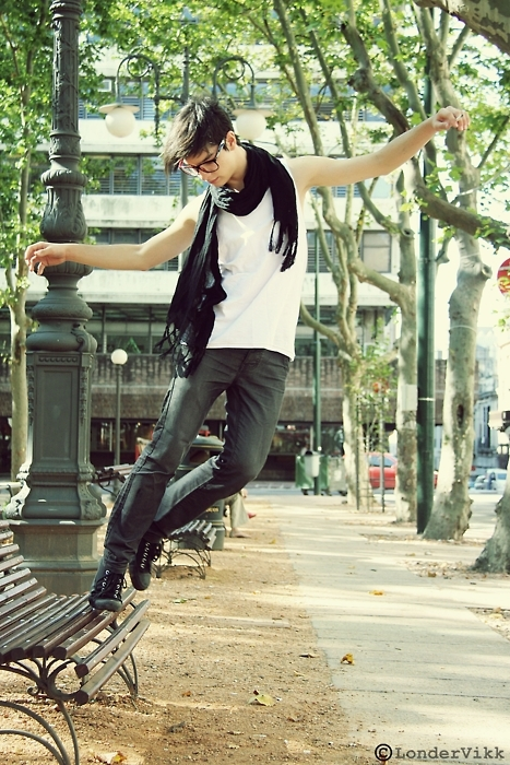 art, attack, black, blur, cute, disort, europe, fashion, firends, fly, girls, glasses, gorfeous, guy sexy, hair, hot, jump, men, model, paris, party, rayban, scarf, smiles, sweetshirt, urban, vintage, wayfarer, wind