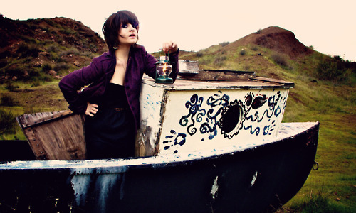 betsey johnson, boat, fashion, girl, indie